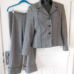 Georgiou Studio Wool Blend Capri/Crop Pants Suit